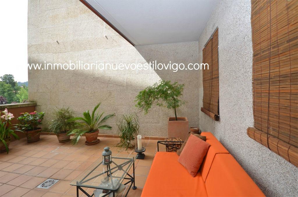 Estudio amueblado con garaje y terraza en for Pisos alquiler gondomar