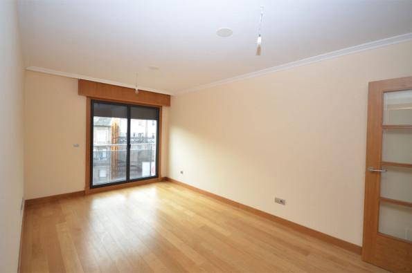 Soleado apartamento de dos dormitorios en Avda. de García Barbón _ Vigo-zona centro