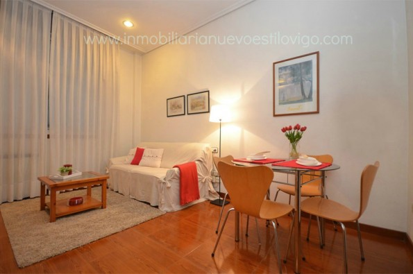 Céntrico apartamento de un dormitorio, C/ Carral _ Vigo-zona marítima centro