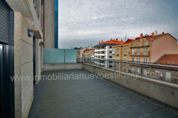 Espectacular terraza de 30 m2 en apartamento de dos dormitorios, C/ García Barbón-Vigo_ Zona centro