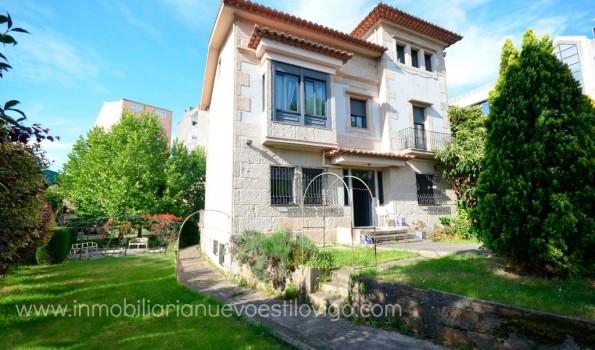 Casa de siete habitaciones con jardín recientemente rehabilitada en c/Tomás Alonso_Vigo – Zona Beiramar
