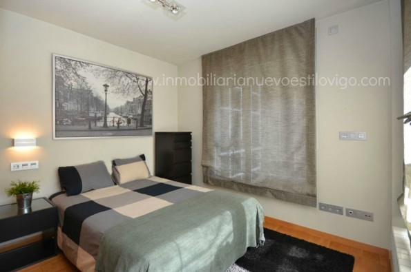 Céntrico y soleado Apartamento-Estudio con Garaje en C/ Isabel II_Vigo-centro