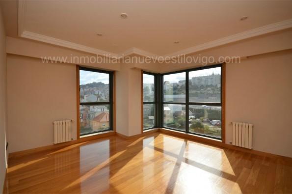 Luminoso y soleado apartamento de dos dormitorios con garaje, C/ García Barbón-Vigo_centro