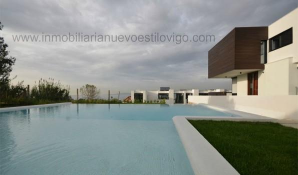 Espectacular chalet adosado de lujo en la urbanización Casas de Canido, en Canido-Vigo_Zona playas