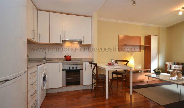 Soleado apartamento con plaza de garaje en C/ Pi y Margall-Vigo_zona centro