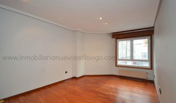 Apartamento de dos dormitorios con garaje en C/ Areal-Vigo_zona centro