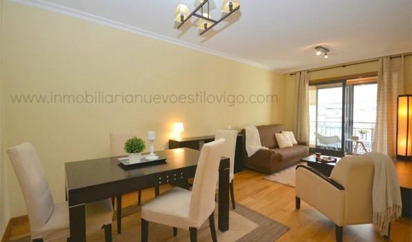 Acogedor y soleado apartamento de dos dormitorios con garaje en C/ García Barbón-Vigo_zona centro