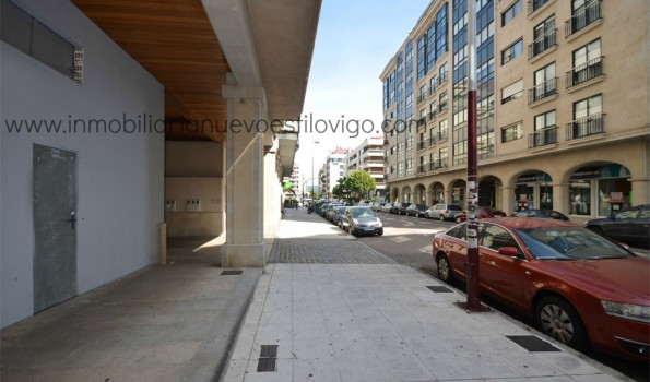 Excelente local, a pie de calle en C/ Hispanidad-Vigo_Zona Traviesas