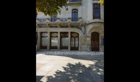 Emblemático Local en C/ Montero Ríos-Vigo_zona marítima centro