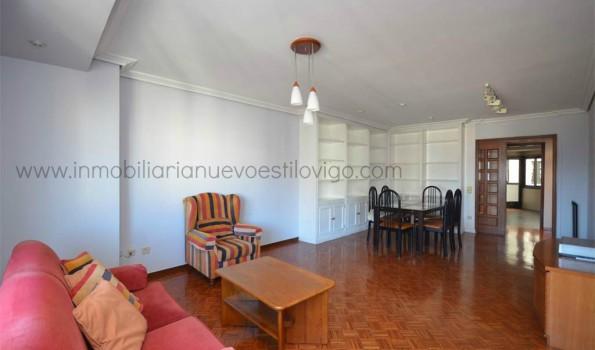 Gran piso de 150 m2 en C/ Rosalía Castro-Vigo_zona centro