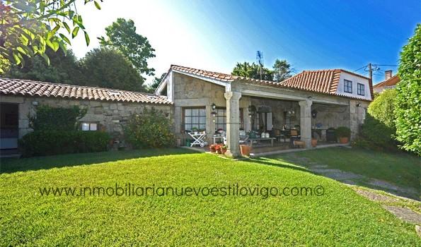 Preciosa casa de piedra gallega rehabilitada con edificación anexa y gran finca en barrio Outeiro-Panxón_Nigrán zona playas