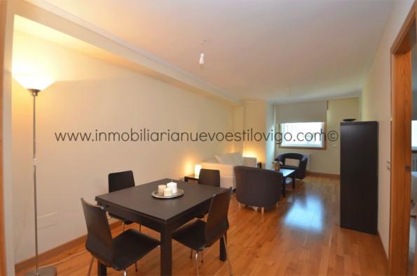 Acogedor y muy amplio apartamento de un dormitorio en Residencial Fraga, Plaza de Fernándo Conde Montero Ríos-Vigo_zona centro