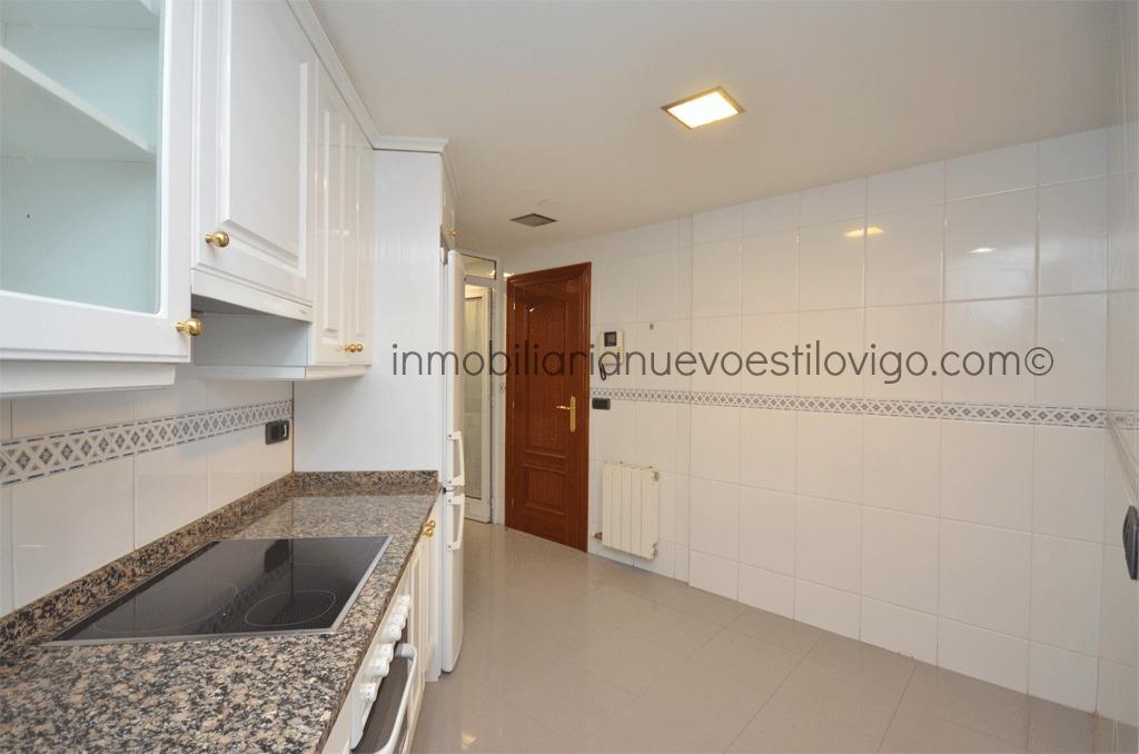 Bonito piso grande en c in s p rez de ceta vigo zona mar tima centro rosal a inmobiliaria - Piso cristal vigo ...