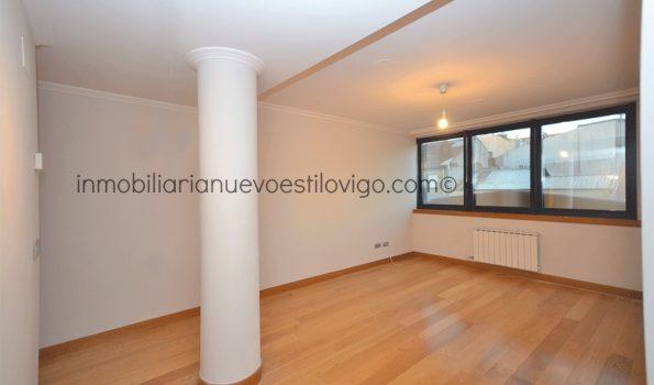 Céntrico apartamento de dos dormitorios con garaje en C/ García Barbón-Vigo_zona centro