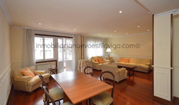 Amplio piso de tres dormitorios, C/ Pintor Laxeiro-Vigo_zona traviesas