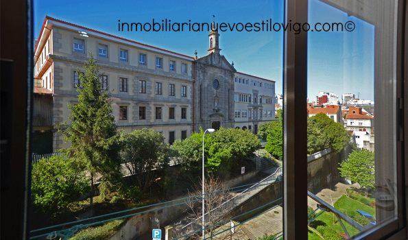 Bonito apartamento de dos dormitorios con garaje en el centro, C/ María Berdiales-Vigo_zona centro