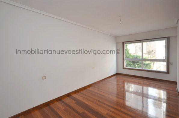 Céntrico apartamento de dos dormitorios en C/ Dr. Cadaval-Vigo_zona centro