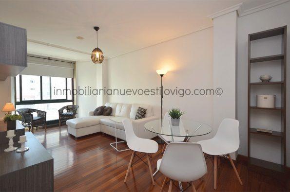 Céntrico apartamento de un dormitorio con garaje y maravilloso vestidor, C/ Rosalía de Castro-Vigo_zona centro