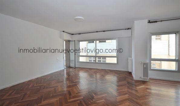 Vivienda a estrenar totalmente rehabilitada de tres dormitorios, C/ Cánovas del Castillo-Vigo_zona marítima centro