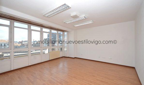 Luminosa y céntrica oficina dividida en tres estancias, C/ Progreso-Vigo_zona centro