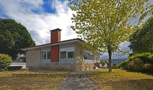 Bonito chalet de dos plantas con jardín, C/ Riobóo-Vigo_Zona Pastora/Traviesas