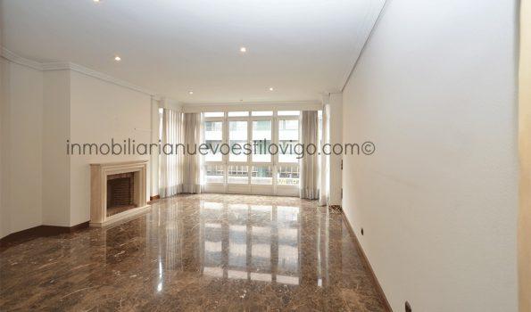 Soleada vivienda de 105 m2 en edificio de lujo, C/ García Barbón-Vigo_zona centro