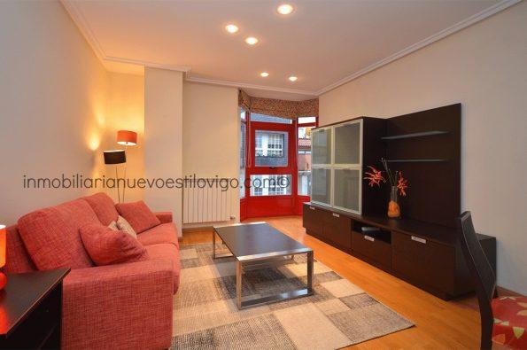 Estupenda vivienda de 3 dormitorios, amueblada y con garaje en Pi y Margall-Vigo_zona centro
