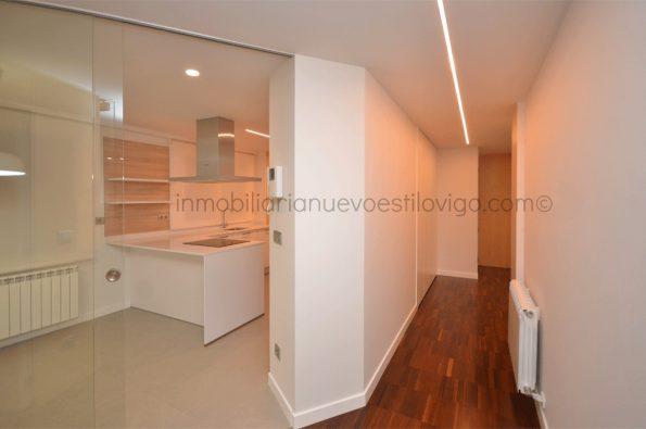 Espectacular reforma, a estrenar, en esta vivienda de tres dormitorios en C/ Laxe-Vigo_zona marítima centro