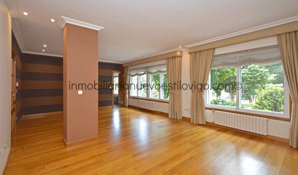 Exclusiva vivienda de 200 m2 con dos plazas de garaje en la Alameda C/ Plaza de Compostela-Vigo_zona centro