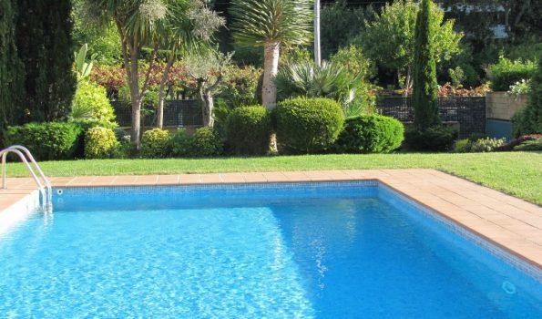 Moderno apartamento de 2 dormitorios con piscina en Sabaris_Baiona-zona playas