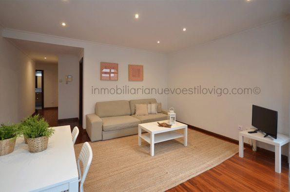 Amplio apartamento muy bien situado en C/ María Berdiales-Vigo_zona centro
