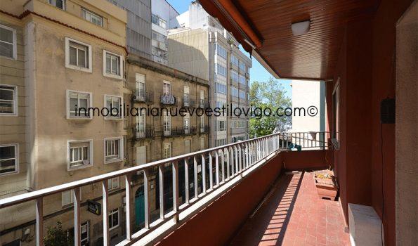 Luminosa y soleada vivienda para actualizar en C/ Canceleiro-Vigo_zona Rosalía Castro/centro