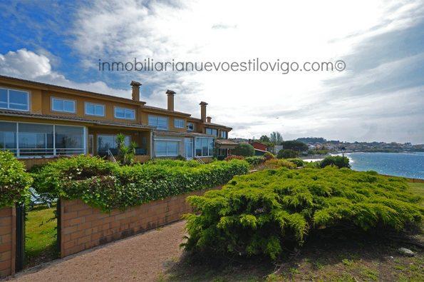 Chalet adosado a pie de playa en urbanización Punta Pinos, Canido-Vigo_zona playas