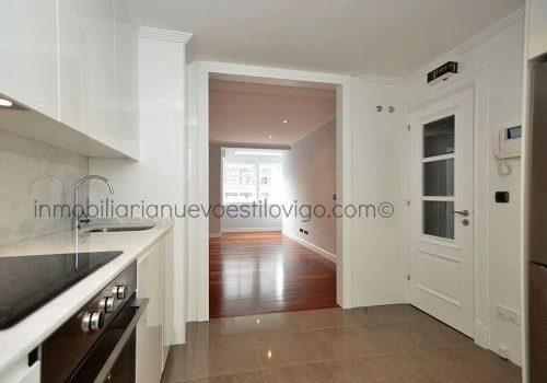 Céntrica vivienda de dos dormitorios y dos baños con garaje y trastero C/ Policarpo Sanz-Vigo_zona centro