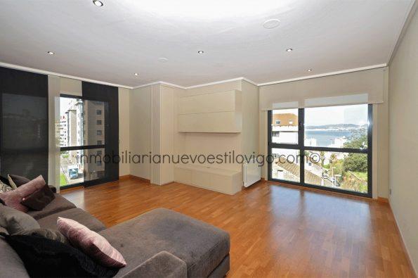 Luminoso y moderno apartamento de dos dormitorios con garaje, C/ Vista Alegre-García Barbón-Vigo_zona centro