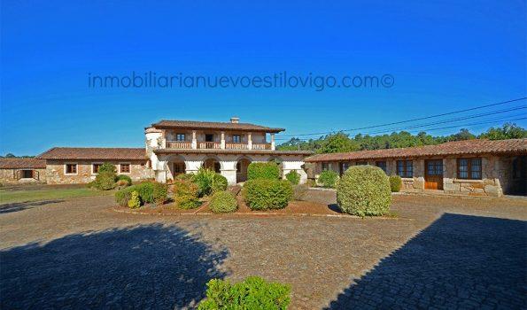 Magnífica propiedad de 10.000 m2 con distintas edificaciones en Tomiño-zona playas interior