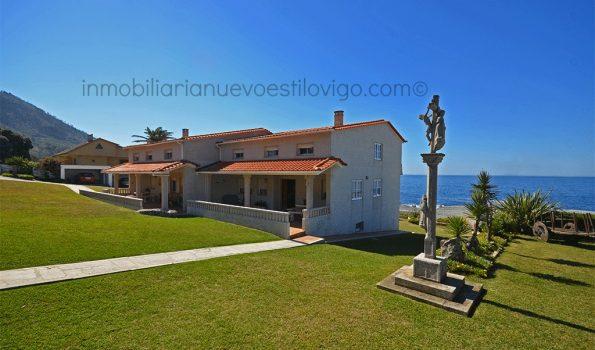 Impresionante situación la de esta propiedad compuesta por dos viviendas pareadas en Santa María de Oia_ La Guardia-zona playas