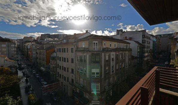 Vivienda totalmente exterior, luminosa y soleada con pequeña terraza en C/ Brasil-Vigo_zona Gran Vía cruce Urzaiz