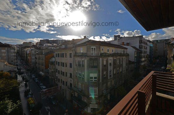 Vivienda luminosa y soleada con pequeña terraza en C/ Brasil-Vigo_zona Gran Vía cruce Urzaiz