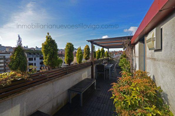 Soleado ático dúplex con una terraza ideal, C/ Arenal-Vigo_zona centro