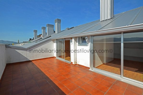 Dúplex con espectacular terraza con vistas al valle y plaza de garaje, C/ Gran Vía-Vigo_zona Traviesas