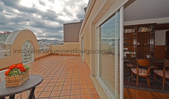 Amplio apartamento de 2 dormitorios con impresionante terraza en C/Príncipe-Vigo_zona centro