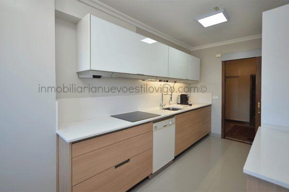 Luminosa vivienda totalmente exterior y con vistas al mar C/ Arenal_Vigo-zona centro