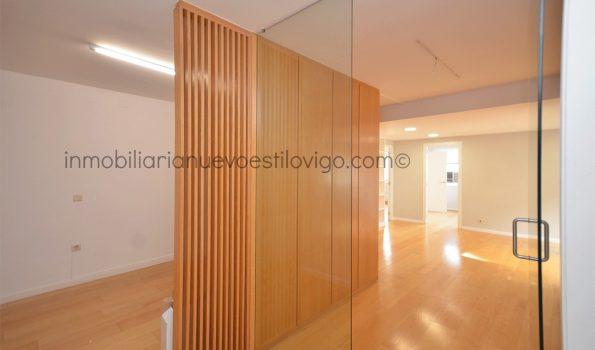 Bonita oficina, soleada y situada en la mejor zona C/ Colón-Vigo_zona centro