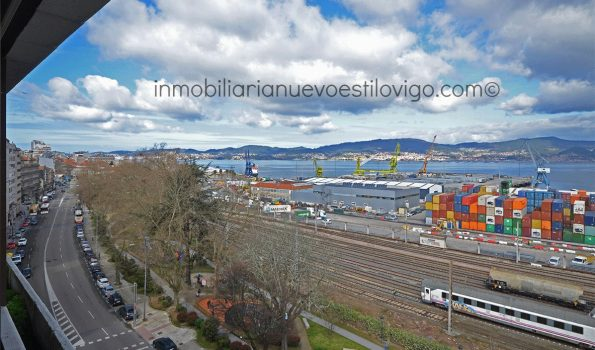 Magnífica vivienda para actualizar, con vistas al mar, C/ Arenal-Vigo_zona centro