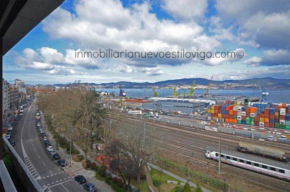 Magnífica oportunidad: vivienda para actualizar, con vistas al mar, C/ Arenal-Vigo_zona centro