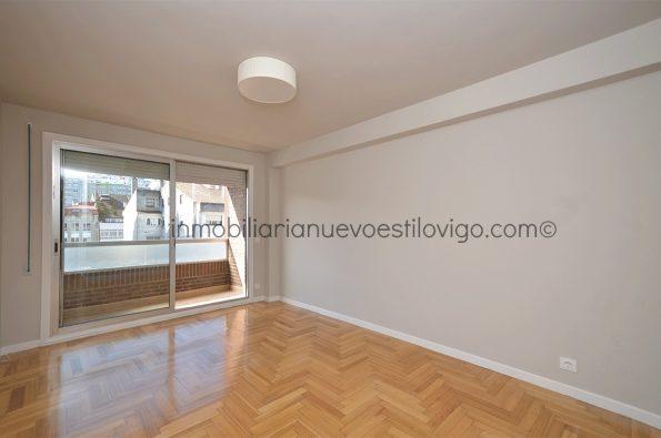 Amplio apartamento, a estrenar, con todos los gastos incluidos, en pleno centro, C/ Rosalía de Castro_Vigo-zona centro