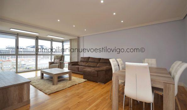 Moderna y exclusiva vivienda de 4 dormitorios, completamente reformada,  y con vistas al mar en C/Cánovas de Castillo-Vigo_zona centro