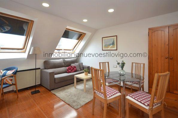 Luminoso y céntrico ático de un dormitorio, C/ Carral-Vigo_zona marítima centro