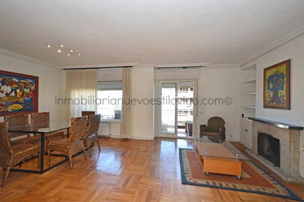 Amplia y luminosa vivienda, con todos los gastos incluidos, y pequeña terraza, C/ López Mora-Vigo_zona Peniche
